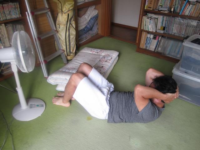 飛距離アップのウエイトトレーニングを自宅で実践している男性の画像